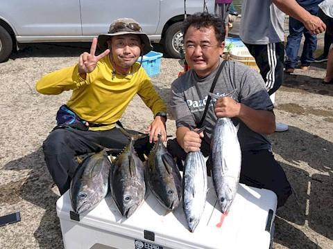 マグロ・カツオ船釣果写真